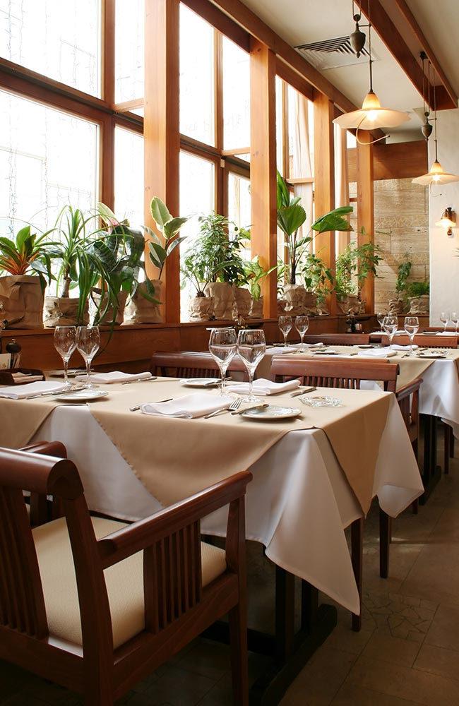 Professional bar and restaurant cleaning services in Denver.